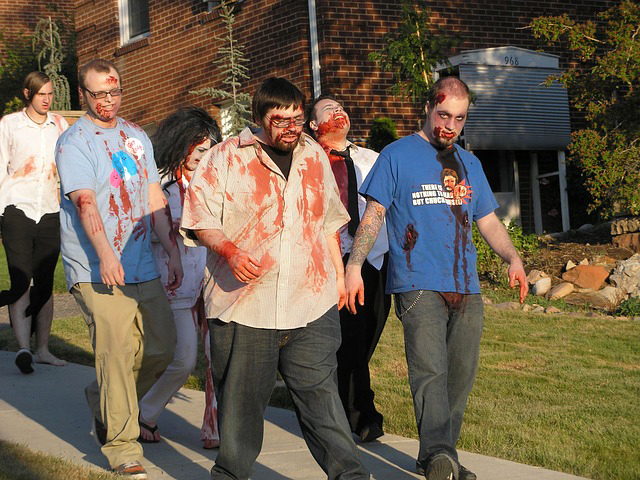 haloween-costumes-house-gue