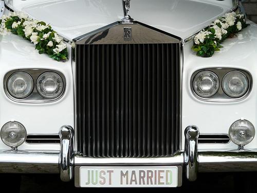 rollyroyce-justmarried-wedd